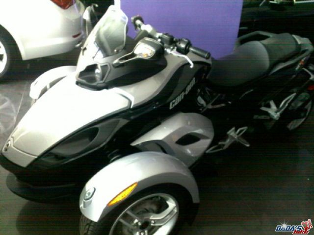 can am spyder 2009 vendre annonces motos au maroc. Black Bedroom Furniture Sets. Home Design Ideas
