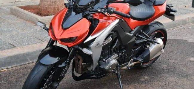 kawasaki Z1000 ABS Modèle 2014 ( 15 774 Km) 1ère main ww la maison kawasaki (motorsports) Très bonne état , bien entretenu aucune réparation a...